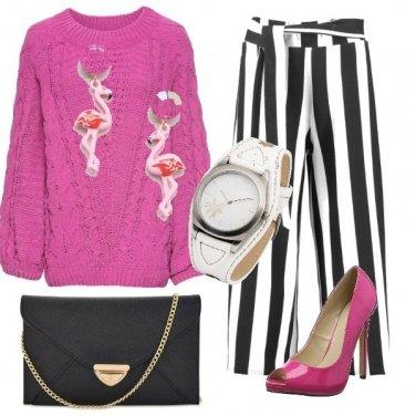 Outfit Righe e orecchini flamingo