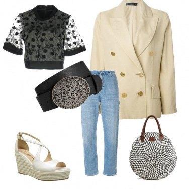 Outfit Spalline e jeans anni \'90
