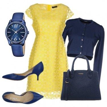 Outfit Blu e giallo in ufficio
