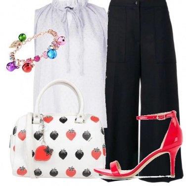 Outfit Fragole sulla borsa