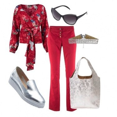 Outfit China red