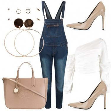 Outfit Salopette e tacchi