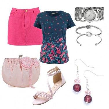Outfit Sandali e minigonna