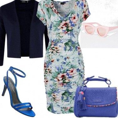 Outfit Fiori e colori tenui