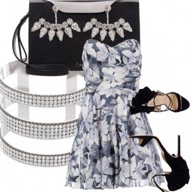 Outfit Fiori grigi