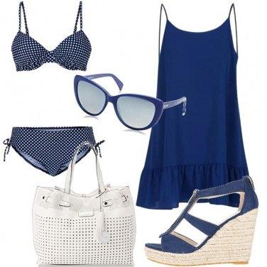 Outfit Pois bianchi e blu