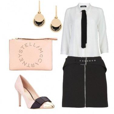 Outfit Femminile singolare