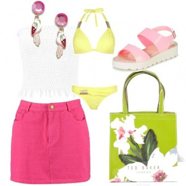 Outfit Fluo in spiaggia