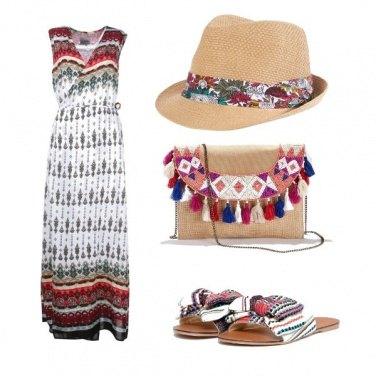 Outfit L\'accessorio in primo piano