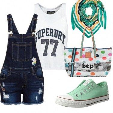 Outfit Salopette di jeans