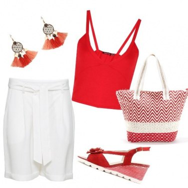 Outfit Al mare in bianco e rosso