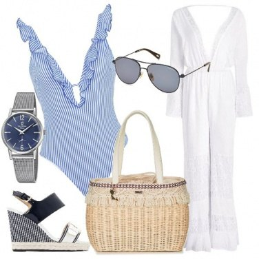 Outfit Righe blu mare