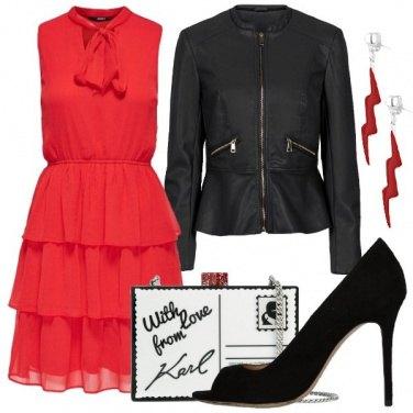 Outfit Una madrina giovane e rock