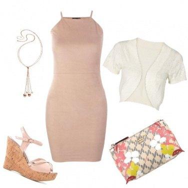 Outfit Tubino rosa pesca