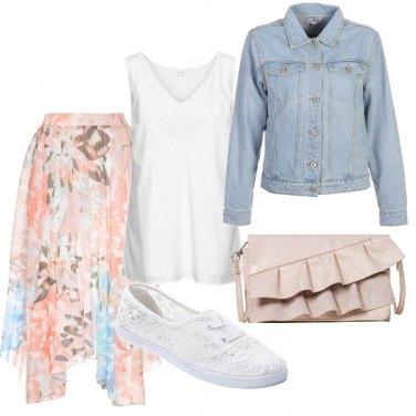 Outfit Asimmetrie e rouches
