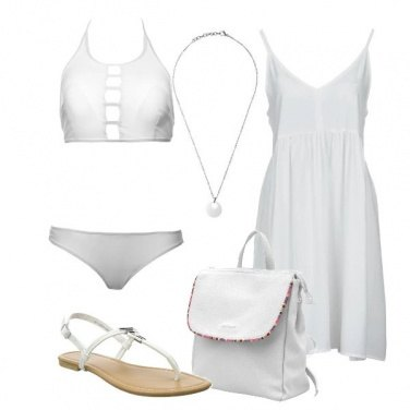 Outfit Candore in spiaggia