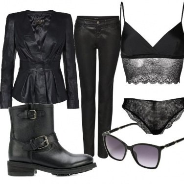 Outfit Total Black in moto