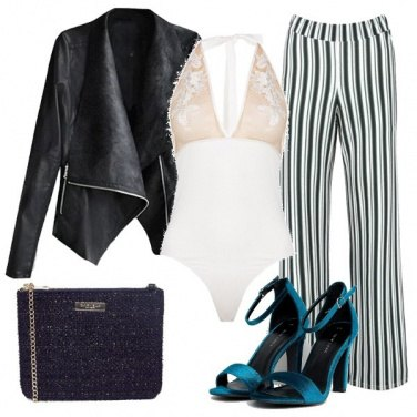 Outfit Giacca in similpelle la sera e body sexy