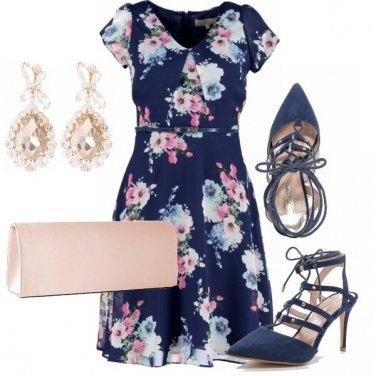 Outfit Eleganza in blu e rosa