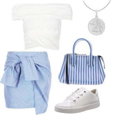 Outfit Righe bianche e azzurre