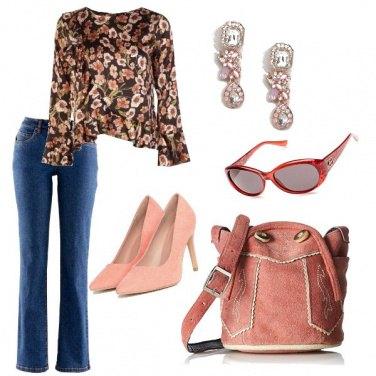 Outfit Decolltè e jeans