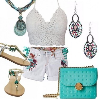 Outfit Short bianco ricamato