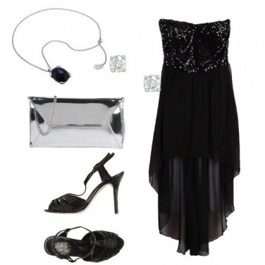 Outfit Affascinante abito nero con pailettes