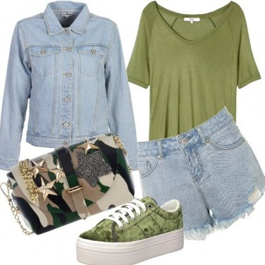 Outfit Military green