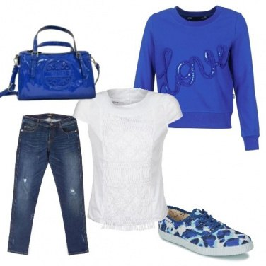 Outfit Royal con brio
