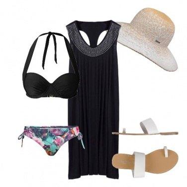 Outfit Al mare col cappello