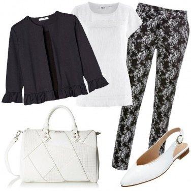 Outfit Floreale in bianco e nero