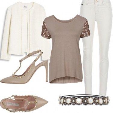 Outfit Bianco Tortora e rockstud