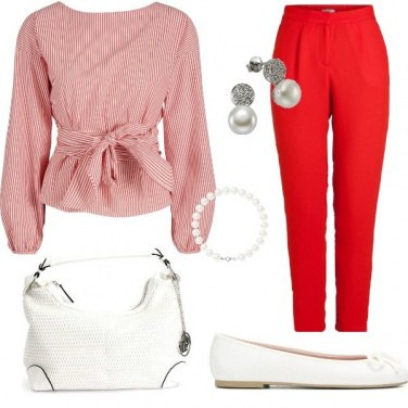 Outfit Ufficio bianco e rosso