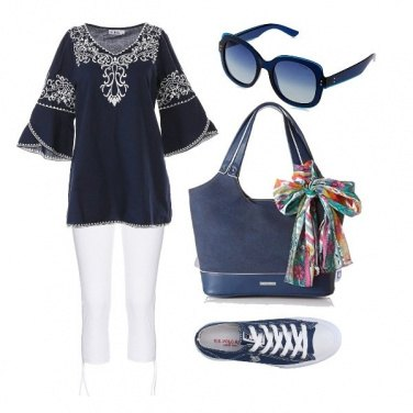 Outfit Comoda in bianco e blu