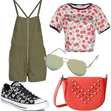 Outfit Salopette e fantasia