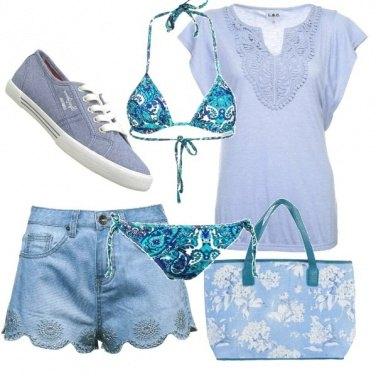 Outfit Azzurra come il mare