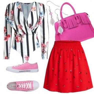 La gonna a corolla  outfit donna Trendy per tutti i giorni  b232fd9d4bf