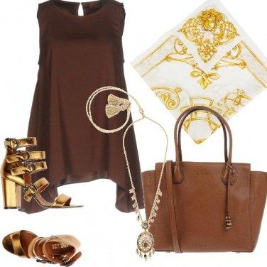 Outfit Marrone e oro