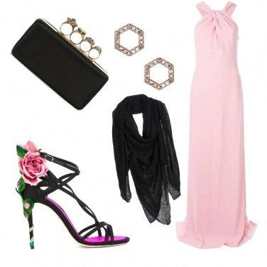 Outfit I sandali con la rosa