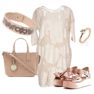 Outfit Trendy nude