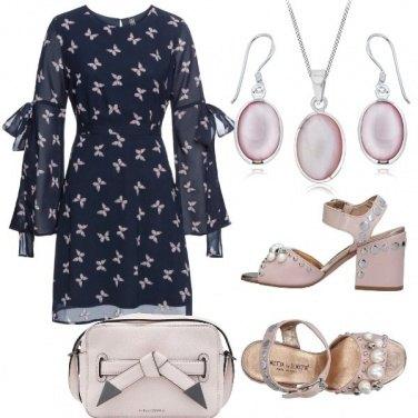 Outfit Perle e farfalle