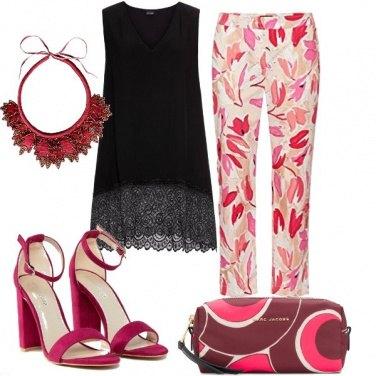 Outfit Magenta e fantasia