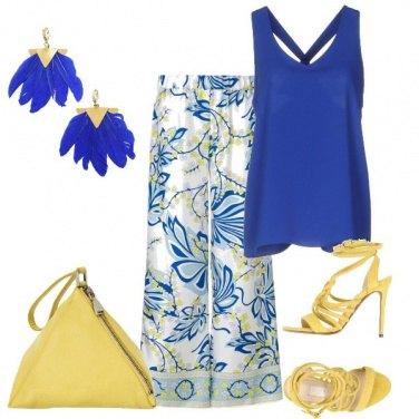 Outfit Il blu e giallo