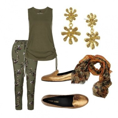Outfit Gold and deep green