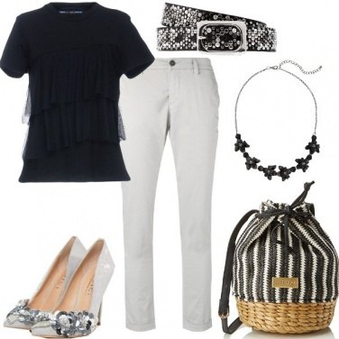 Outfit Basic ma con dettagli originali