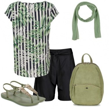 Outfit Green Details