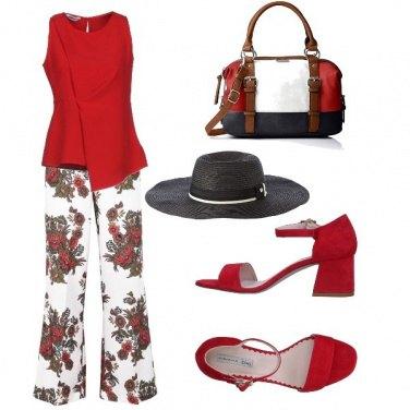 Outfit Fantasia di rose rosse