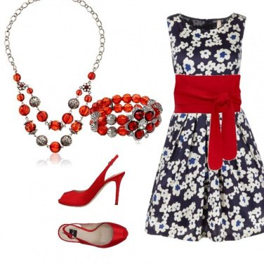 Outfit Blu, bianco e rosso