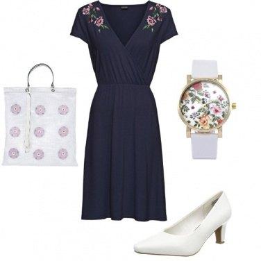 Outfit Vestito e accessori con Fiori