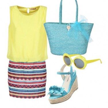 Outfit Giallo e celeste